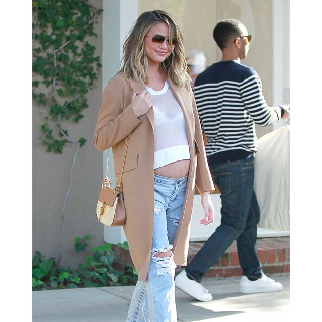 Just when we thought Chrissy Teigen's pregnancy style couldn't possibly get any cuter... (Bruja / Splash News)