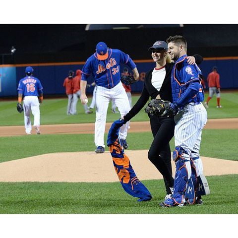 #tbt to throwing out the @Mets first pitch on behalf of my friends @NorthwestLegit - the best blankets in the game