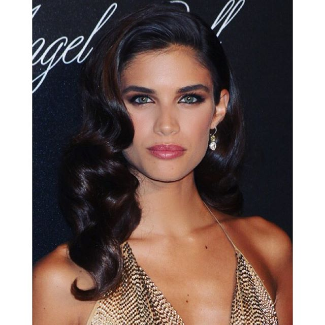 Last night #angelball jewelry @jacobandco hair @jennifer_yepez make up @dominiquesamuel @thelionsny
