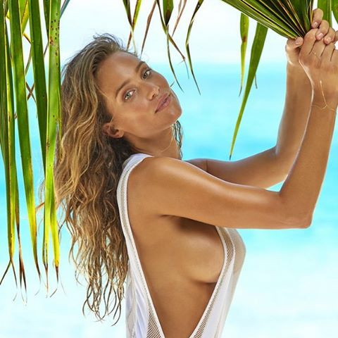 Palm Trees in the Breeze. @hanni_davis stars in the latest @si_swimsuit. #camera @yutsai88 #IMGstars
