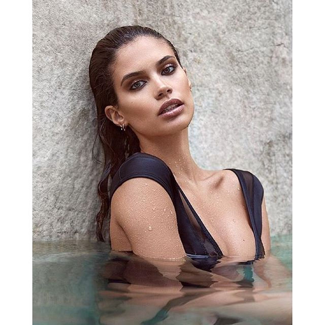 #Repost @dominiquesamuel ・・・ Soaked to the skin! @sarasampaio by @gavinoneillphoto @elsahair @dominiquesamuel bikini @kawahpour #sarasampaio @thelionsny