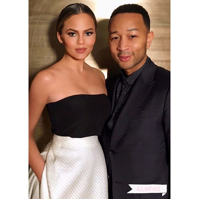 Just... Exquisite @ChrissyTeigen #Makeup: @allanface #Hair: @DavidLopezHair @Chrishimmm those makeup lights you got are bomb!!! #FBF #ChrissyTeigen #Chic #Stunning #Exquisite #Beyond #OffToTheBallet #NYC #allanface