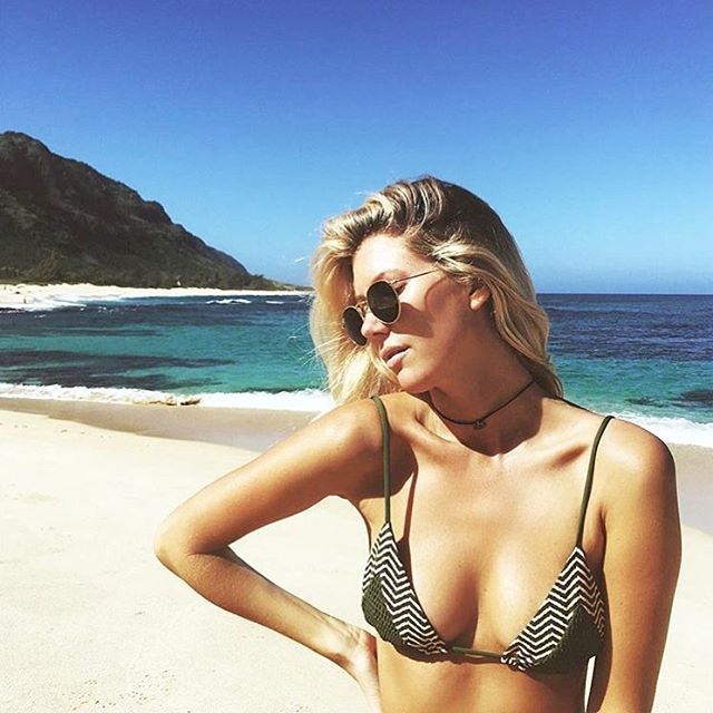 @the_salty_blonde X @societybikini LAHAINA TOP • ZIGGY CACTUS/CACTUS #toripraverswimwear