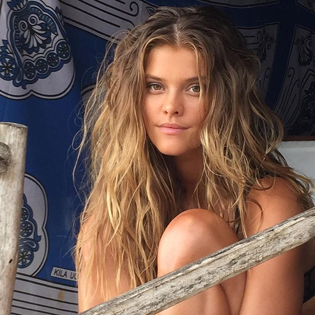 #BTS with lovely @ninaagdal in between shots in Zanzibar with photographer @ruvenafanador for #SISWIM 2016 @mj_day @darciebaum #hair @peterbutlerhair #makeupbyme #swimsuit #NinaAgdal #naturalbeauty #KichangaLodge #Zanzibar #Tanzania #EastAfrica #makeup #josiemarancosmetics #mua #JoanneGair