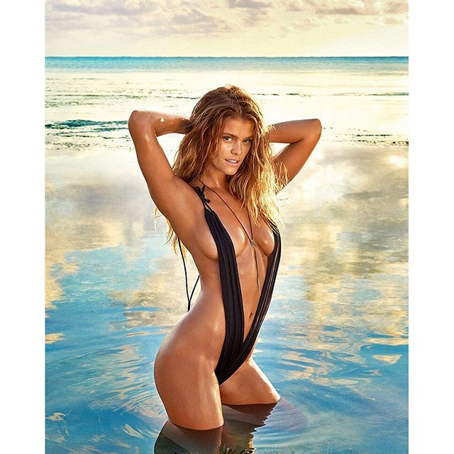 Sunrise with beautiful @ninaagdal in Zanzibar Photographer @ruvenafanador for #SISWIM 2016 @mj_day @darciebaum #hair @peterbutlerhair #makeupbyme #swimsuit #GabrielaPires #Necklace #Kllercollection #NinaAgdal #KichangaLodge #Zanzibar #Tanzania #EastAfrica #makeup #josiemarancosmetics #mua #JoanneGair