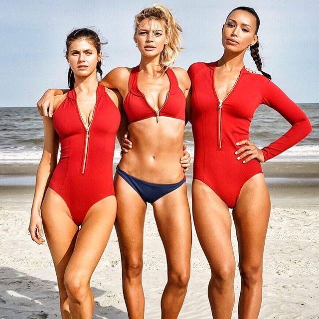 Boys drool, girls rule BAES @ilfenator @alexannadaddario #BAYWATCH