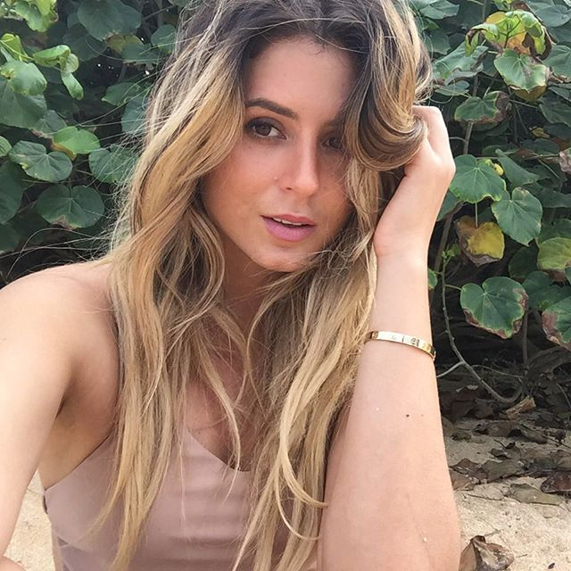 A little selfie bts beauty sparkles by @makeupbymariahmelanie w @danielav @tiarethomas