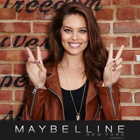 Friday! Going on a girls trip! Byeee ️#maybellinegirls @maxmoments @melbelleny