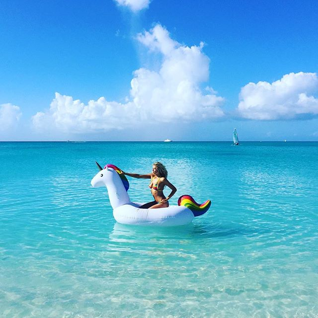Sweet covergirl @haileyclauson on her pet unicorn, Corny. bts @si_swimsuit @lashstarbeauty #lashstarlovesyou