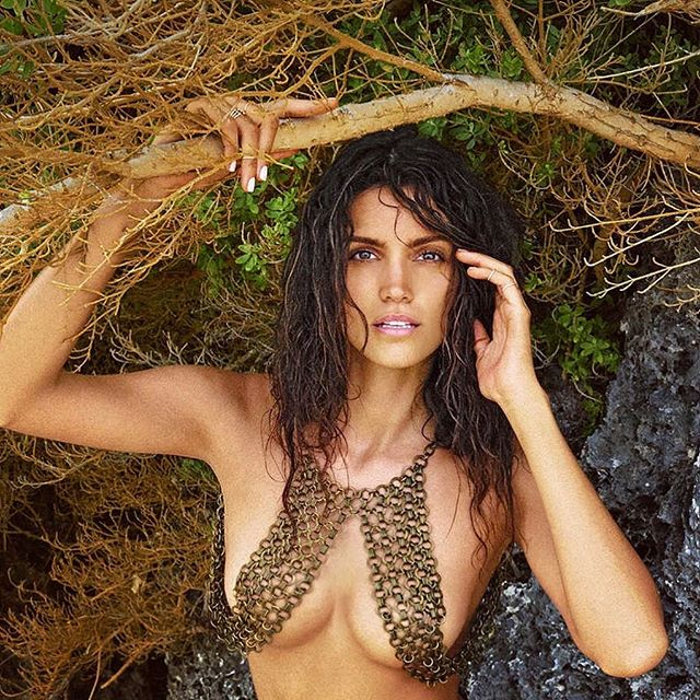 When @si_swimsuit takes you to Africa and things get wild @ruvenafanador