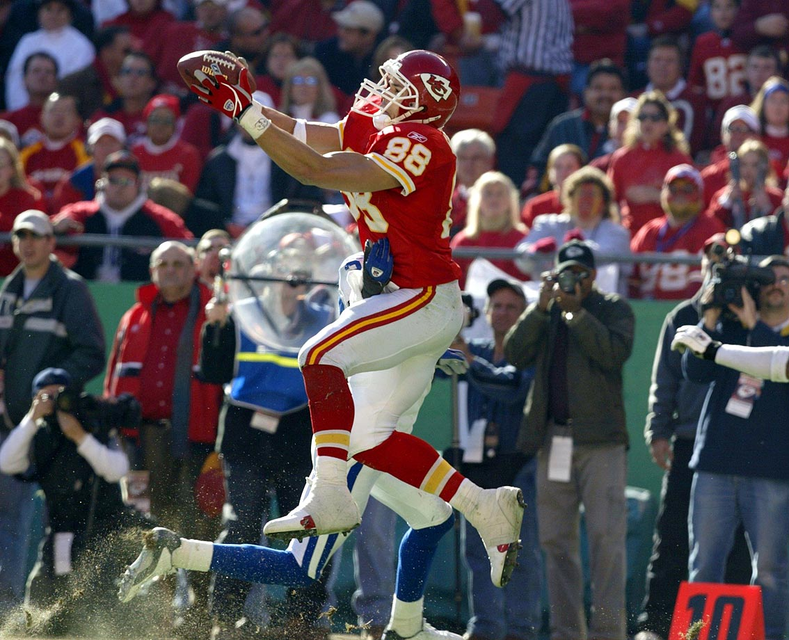 Over an illustrious 17-year career (12 seasons with Kansas City, five with Atlanta), Gonzalez chalked up 1,325 receptions and more than 15,000 yards. He also found the end zone 111 times. The lone missing piece on his resume: a Super Bowl win. His Credentials: 14-time Pro Bowl selection, 10-time All-Pro, No. 2 all-time in total catches, fifth-most yards receiving in league history, named to NFL's All-Decade Team for the 2000s. Others in Consideration: John Abraham (2000, Jets); Keith Jackson (1988, Eagles); Kellen Winslow (1979, Chargers); Mike Kenn (1978, Falcons); Franco Harris (1972, Steelers)