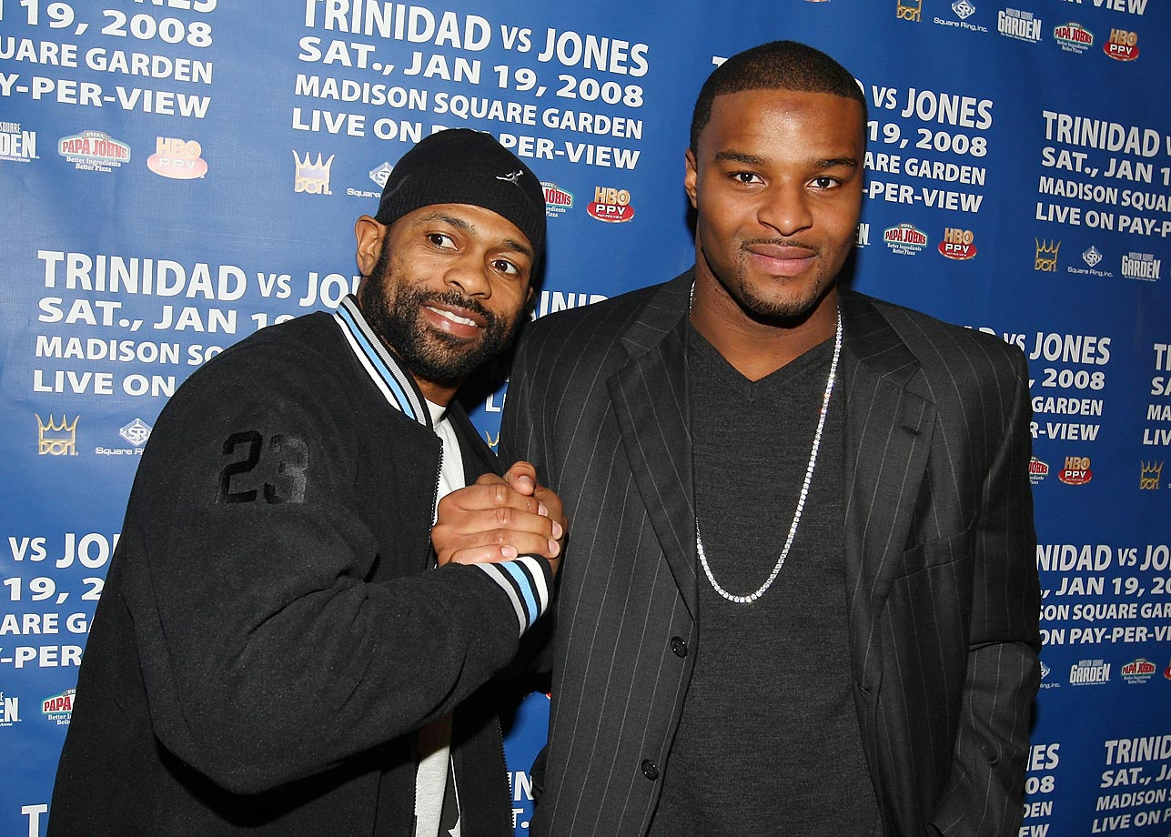 "Roy Jones Jr. and New York Giant Osi Umenyiora helped kick off ""Fight Week"" in New York City in 2008."