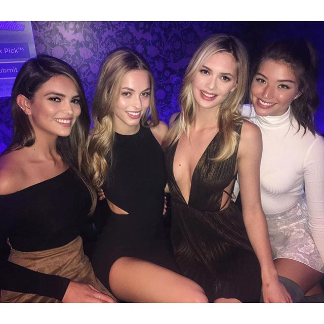 Love these beautiful women @si_swimsuit #bracketselection party