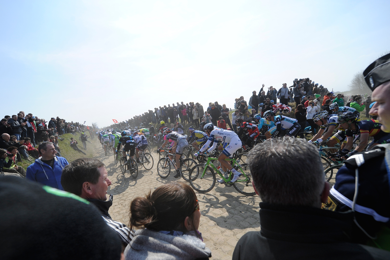 Spectators throng to corners, where riders are forced to slow down, and crashes often occur. Hushovd took himself out of contention, and all but handed the race to Boonen, with some sloppy cornering in '09.