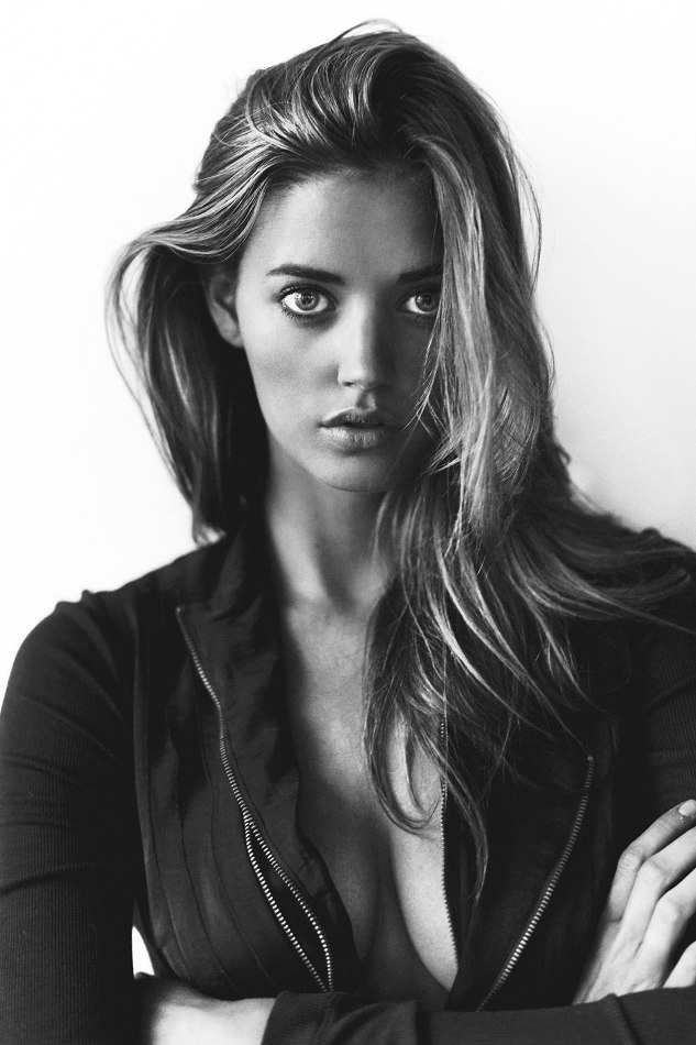 Jenna Kelly :: Courtesy of Wilhelmina Models