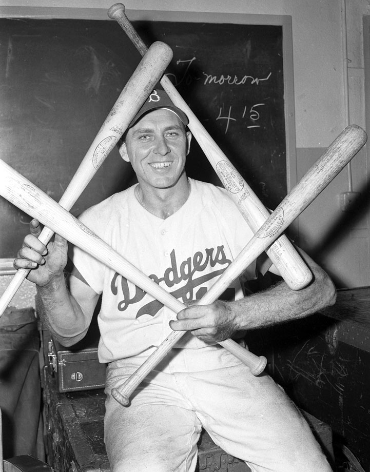 Hodges went 5-for-6 with a single in the Brooklyn Dodgers' 19-3 beating of the Milwaukee Braves.