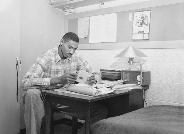 WIlt Chamberlain (Kansas, 1956) :: AP