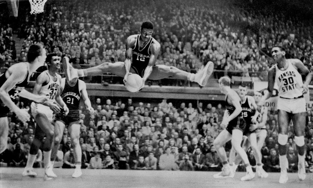 Oscar Robertson first rose to prominence at the University of Cincinnati, where he averaged 34 points per game in his three seasons with the Bearcats.