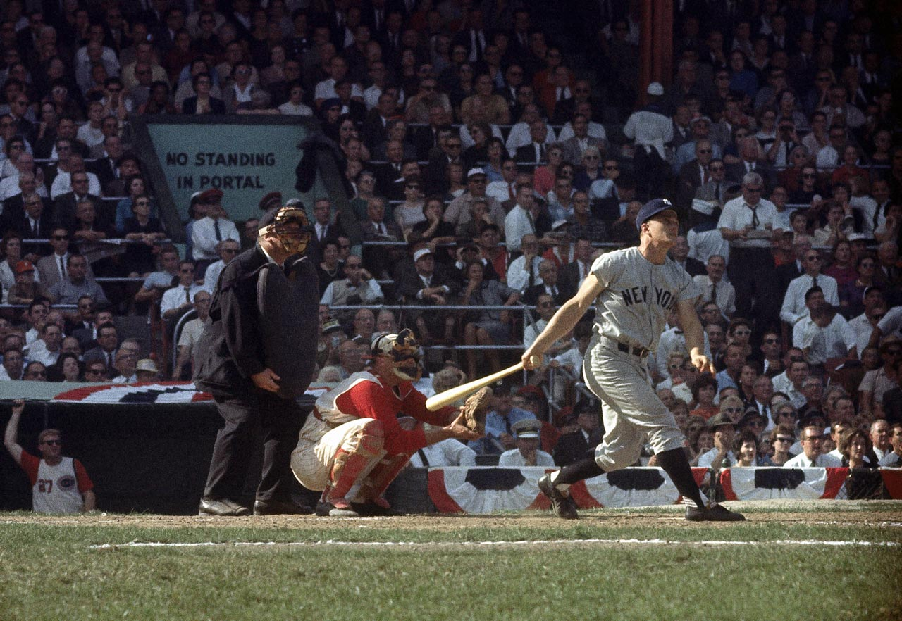 Roger Maris hits the game-winning home run in the ninth inning of Game 3 of the World Series against the Reds at Crosley Field in Cincinnati on Oct. 7, 1961.