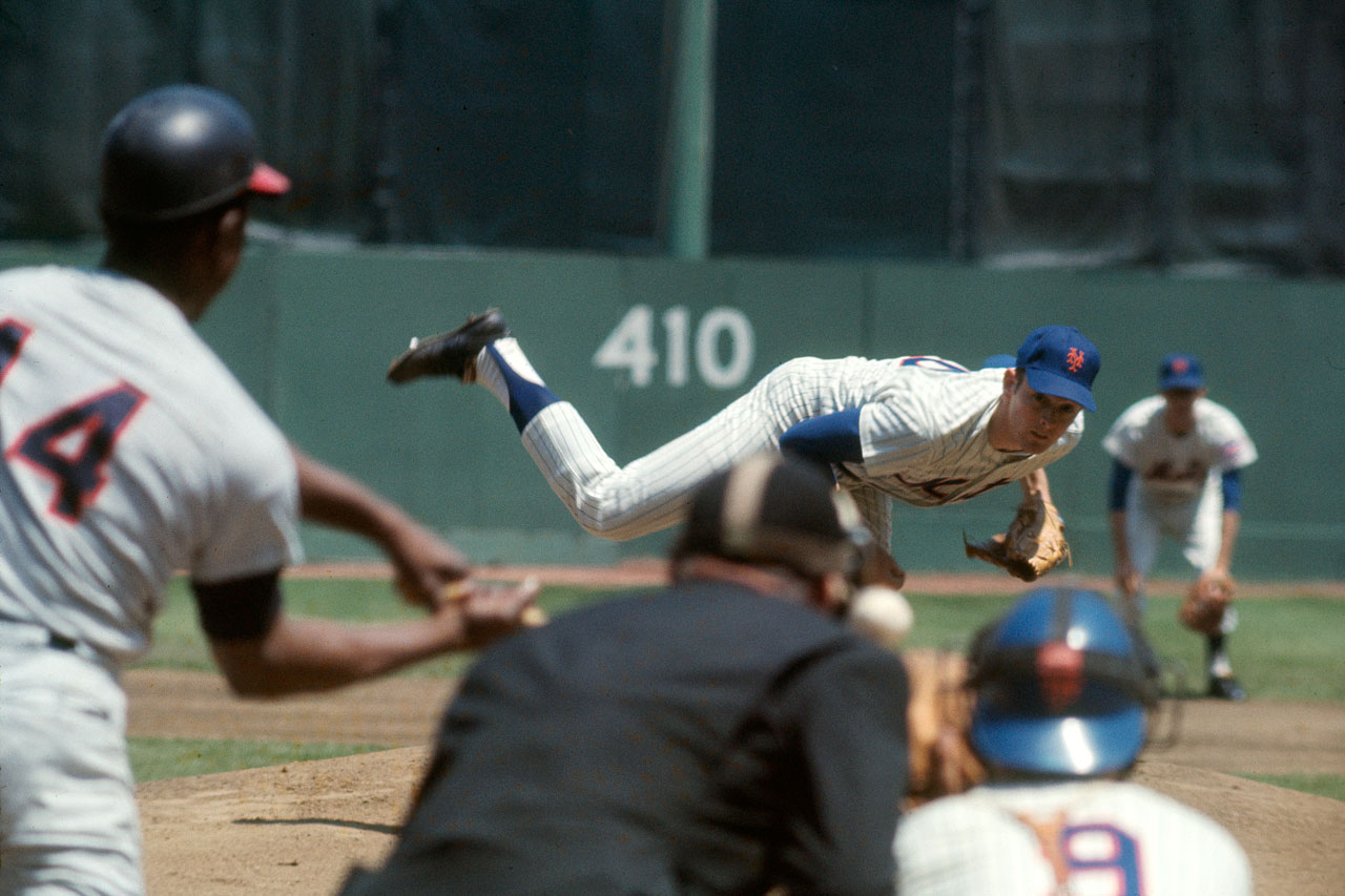 Nolan Ryan Pitching