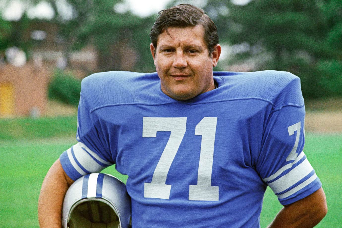 Alex Karras poses for a portrait circa 1971.
