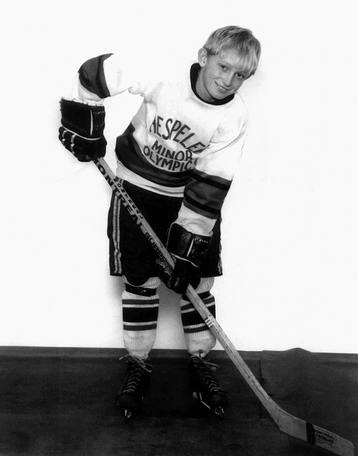 "At age nine, Wayne Gretzky was a youth hockey phenomenon in Canada. As he progressed quickly from level to level and dominated against much older players, some newspapers called him ""the next Bobby Orr"" for his speed and skill."
