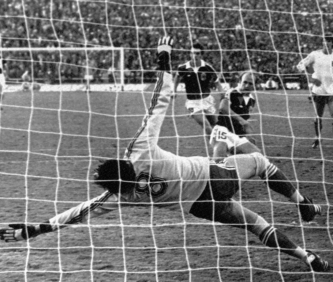 Archie Gemmill scores a penalty against the Netherlands in the 1978 World Cup, his second of the game.