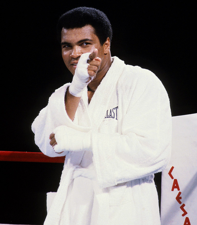 Ali points at Larry Holmes before their bout at Caesars Palace in 1980.