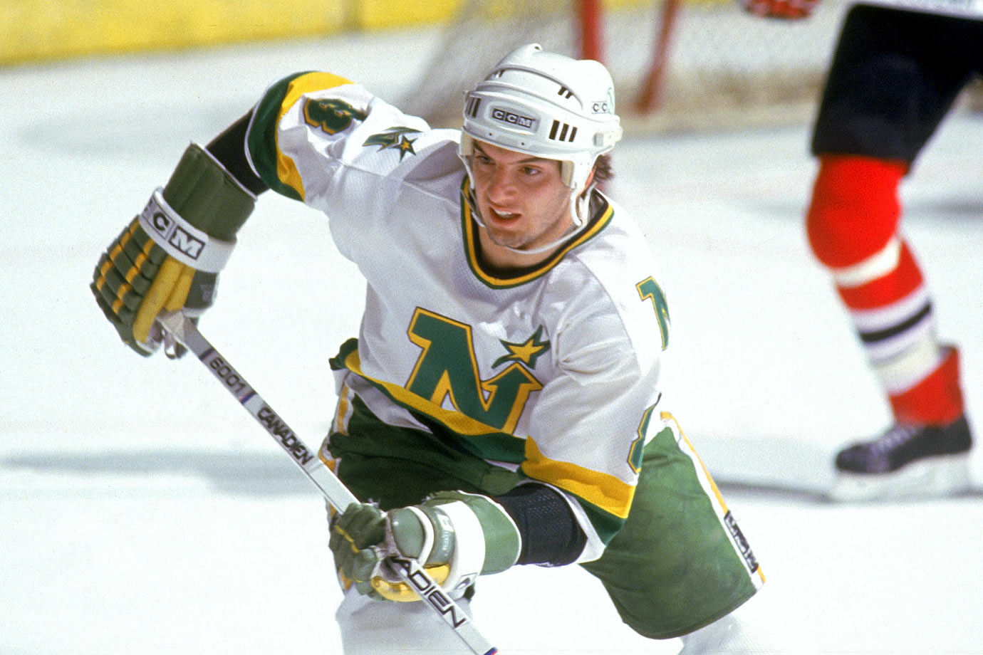 Lawton never amounted to much in the NHL, scoring just 266 points in 483 games. His best season came in 1986-87, when he scored 21 goals and 23 assists in 66 games. — Notable picks: No. 2: Sylvain Turgeon, LW, Hartford Whalers | No. 3: Pat LaFontaine, C, New York Islanders | No. 4: Steve Yzerman, C, Detroit Red Wings | No. 5: Tom Barrasso, G, Buffalo Sabres | No. 9: Cam Neely, RW, Boston Bruins | No. 108: Kevin Stevens, LW, Los Angeles Kings | No. 121: Rick Tocchet, RW, Philadelphia Flyers | No. 199: 	Dominik Hasek, G, Chicago Blackhawks