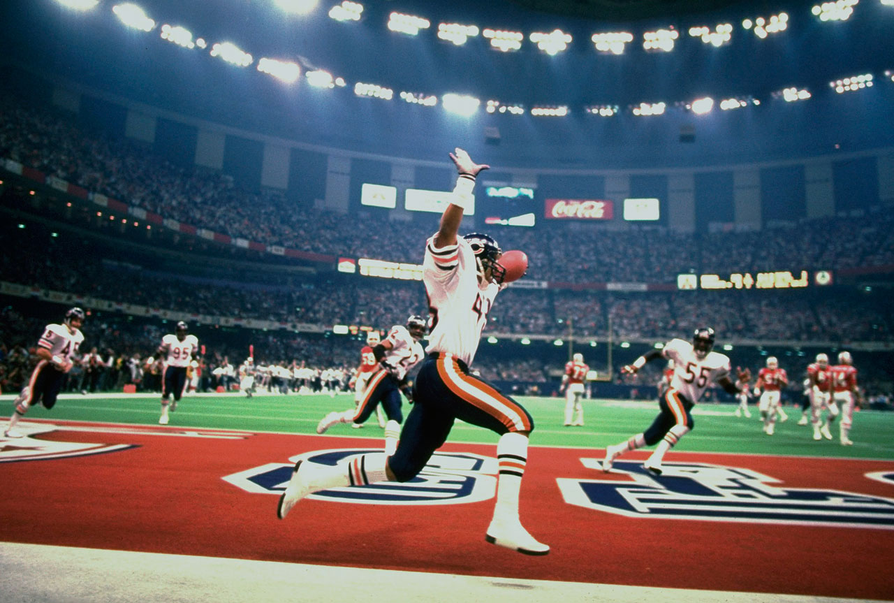 The Bears' Reggie Phillips returned this interception for a TD in Chicago's rout of the Patriots in Super Bowl XX.