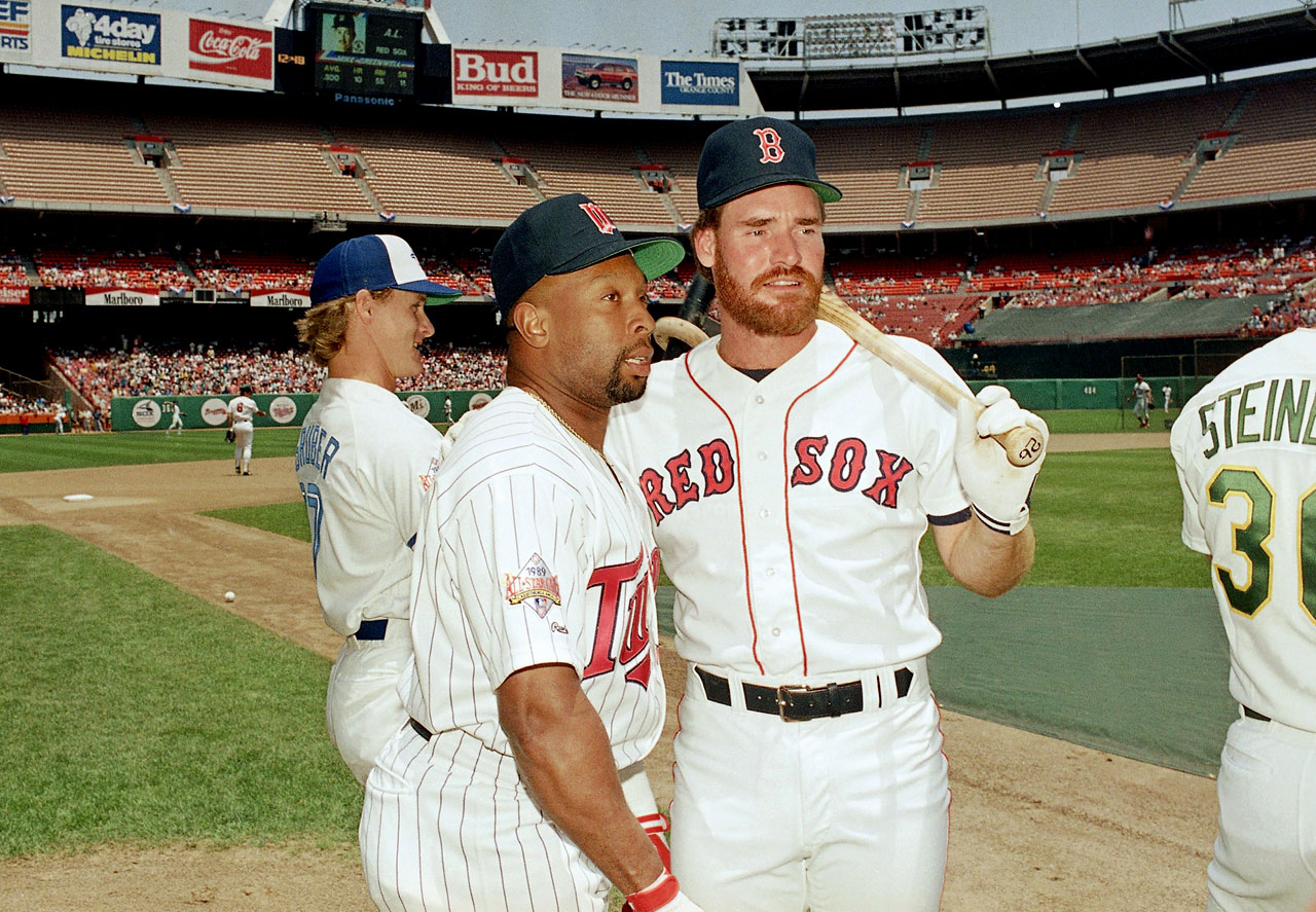Kirby Puckett and Wade Boggs chat prior to the All-Star game at Anaheim Stadium.