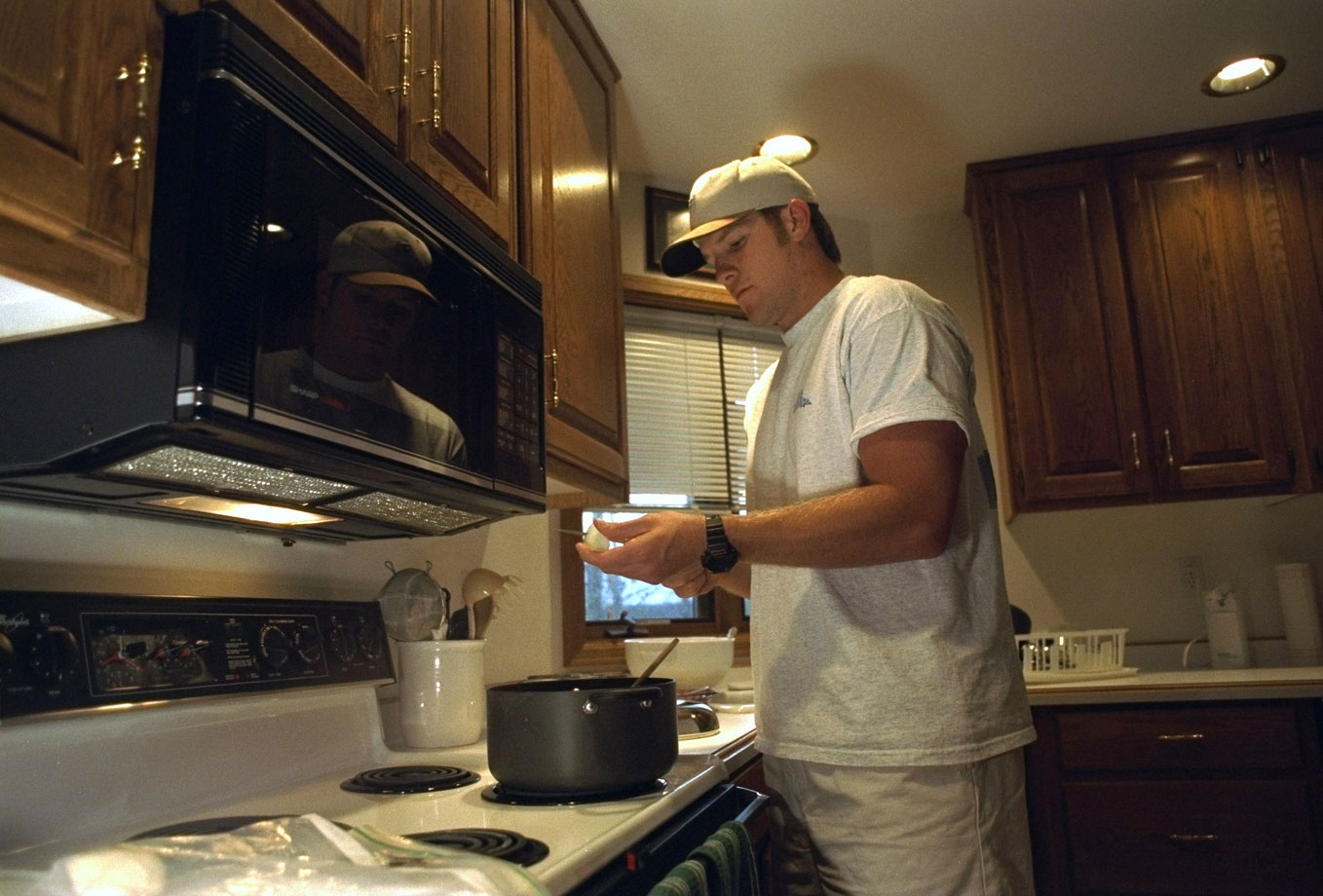 Back home Favre cooks dinner...