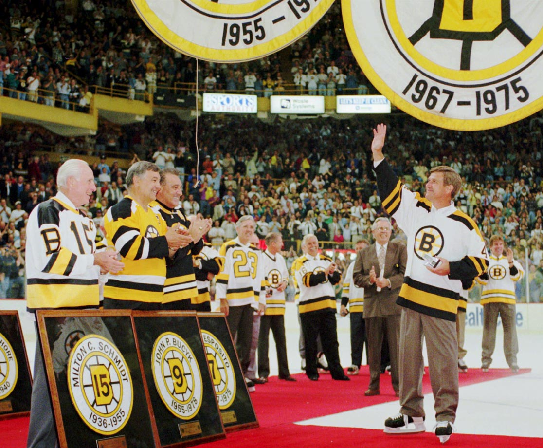 In 1995, Bobby Orr was reunited with former Bruins Milt Schmidt, John Bucyk and Phil Esposito at a farewell ceremony for the old Boston Garden.
