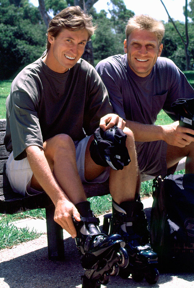 Gretzky and Brett Hull gear up with inline hockey skates in Los Angeles following the 1995-96 NHL season.