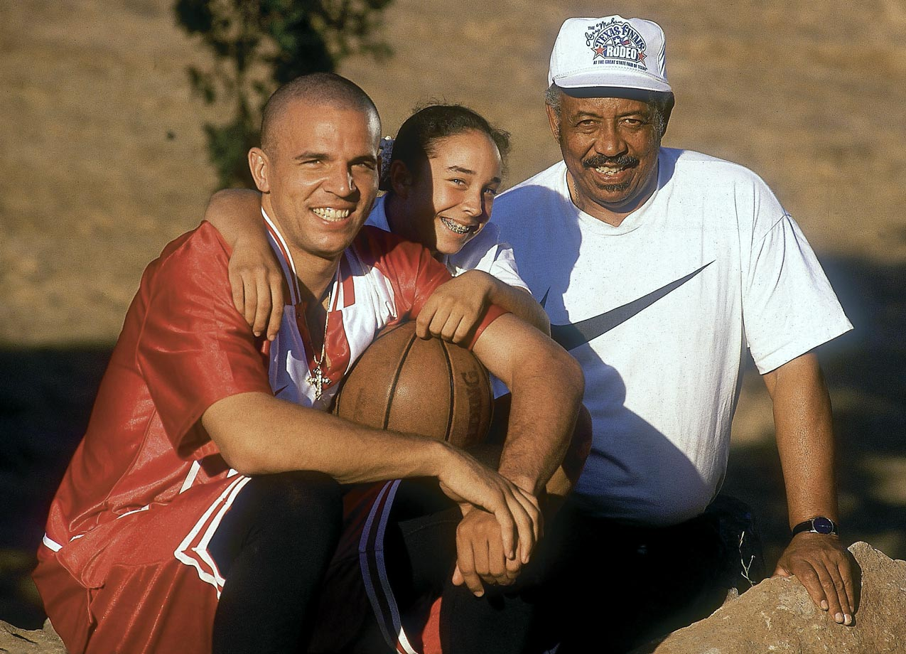 After a tumultuous second season in Dallas, Jason Kidd spent some time with his family -- youngest sister Kim and father Steve -- in California.