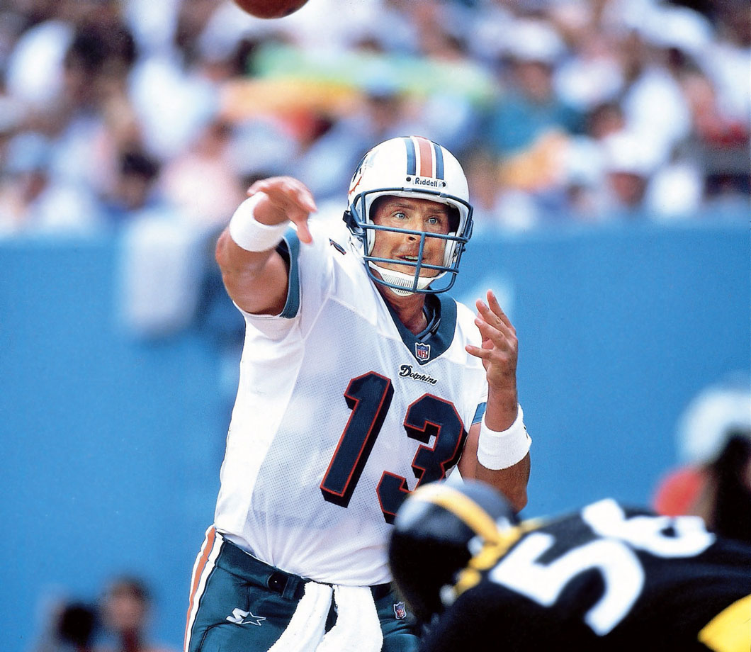 Dan Marino throws a pass in the Miami Dolphins game against the Pittsburgh Steelers at Pro Player Stadium in Miami.  The Dolphins won the game, 21-0.