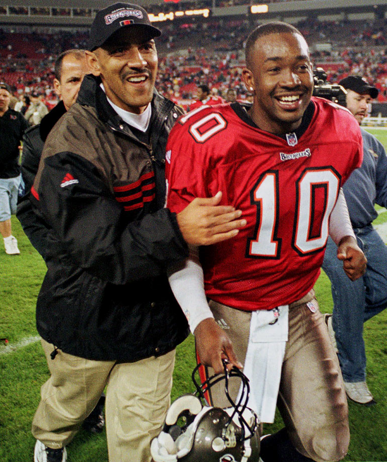 En route to wining the NFC Central and finishing with an 11-5 record, the Bucs won six straight and eight of their last nine in the regular season. The Tony Dungy-coached team lost Trent Dilfer to a broken clavicle during the six-game run and turned to rookie quarterback Shaun King.