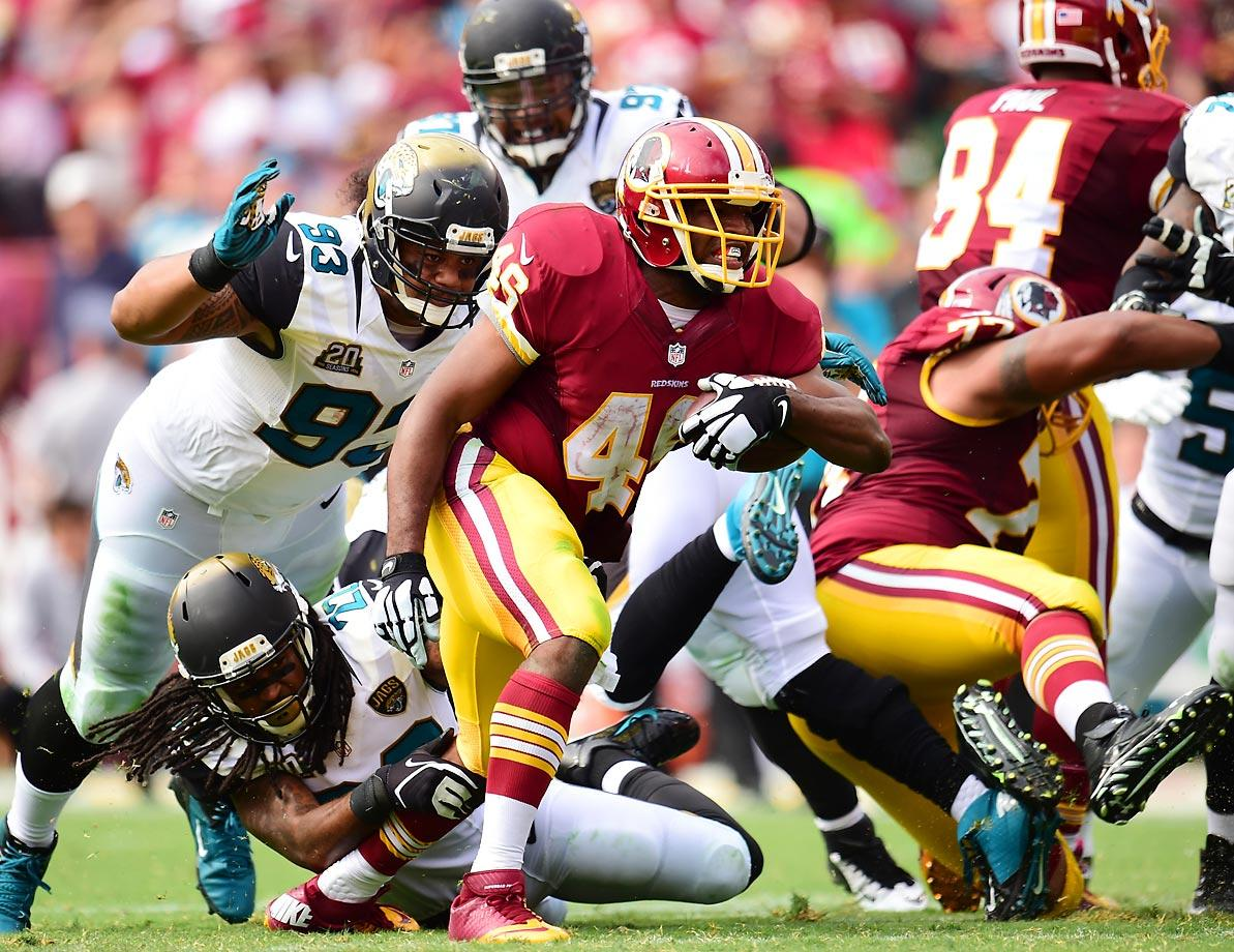 The Redskins' Alfred Morris rushed for 85 yards against the Jaguars, becoming the fastest Redskins player in history to reach 3,000 rushing yards.