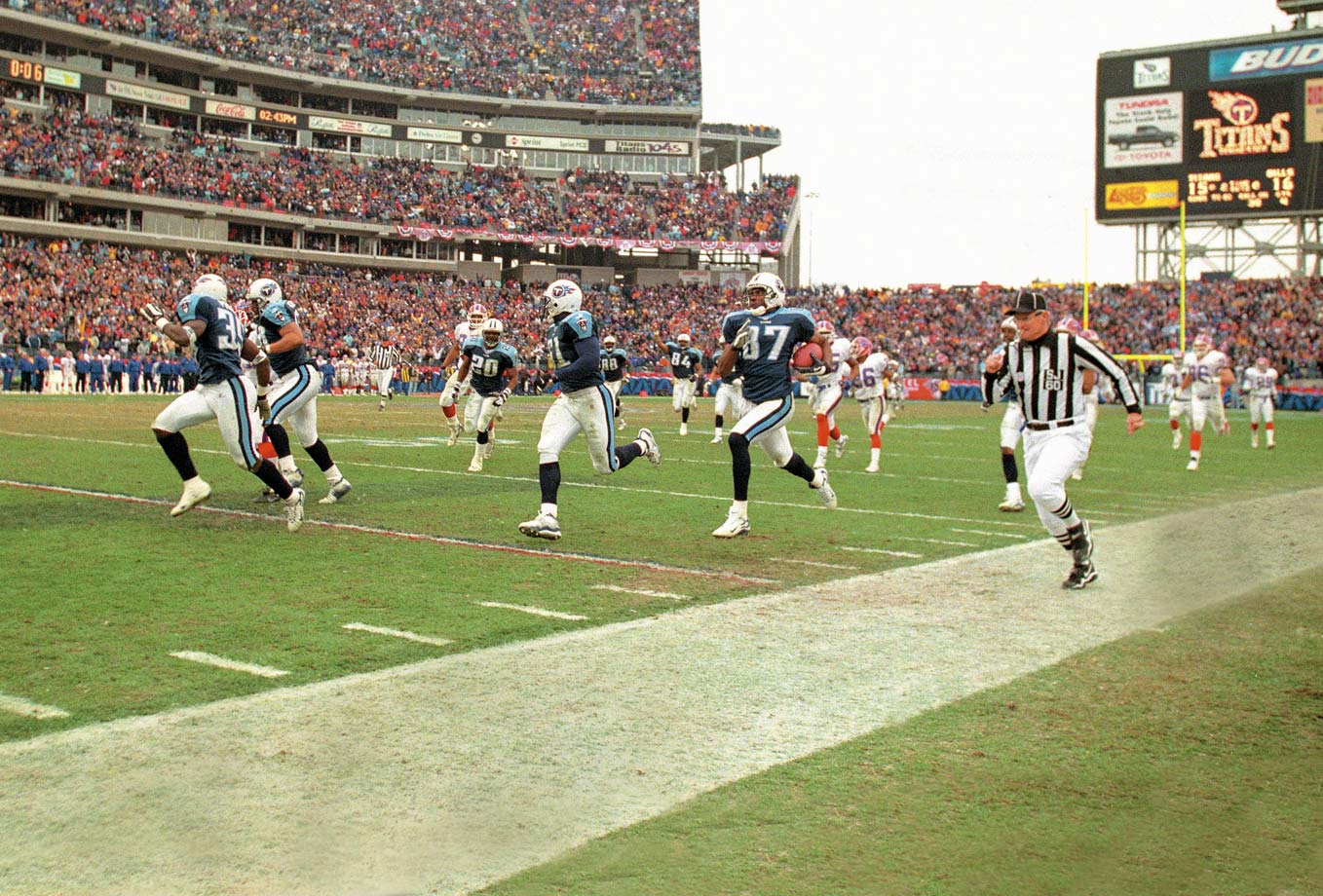 "After Buffalo had taken the lead with 16 seconds left, Frank Wycheck fielded the kickoff for Tennessee and threw a lateral all the way across the field to speedy Kevin Dyson, who ran 75 yards for the win. The play is remembered as ""The Music City Miracle."""