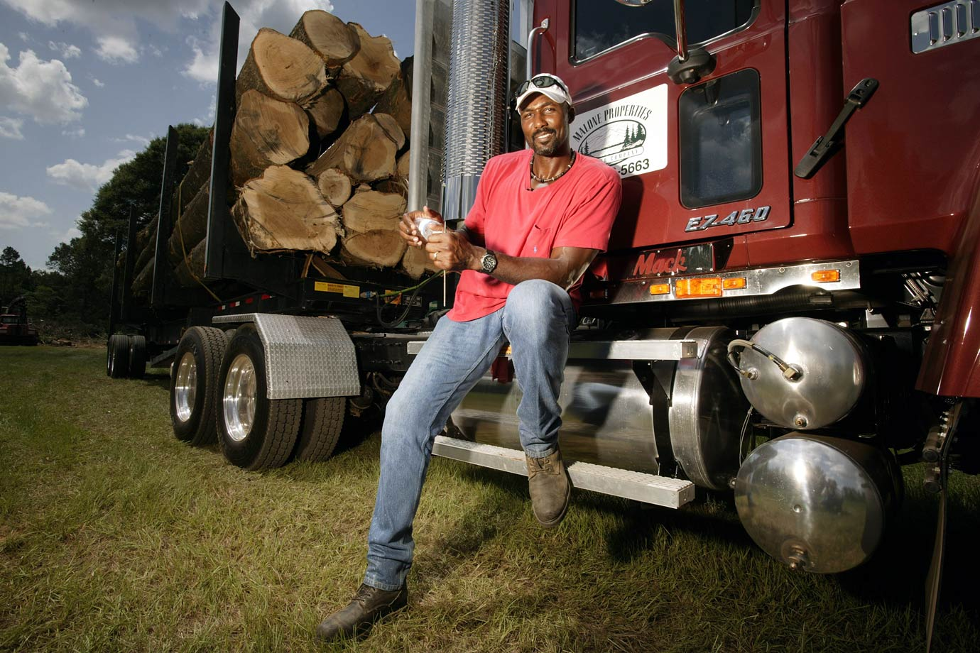 While most players spend their offseason at the beach or filming commercials, Karl Malone enjoyed driving around the country in his 18-wheeler.
