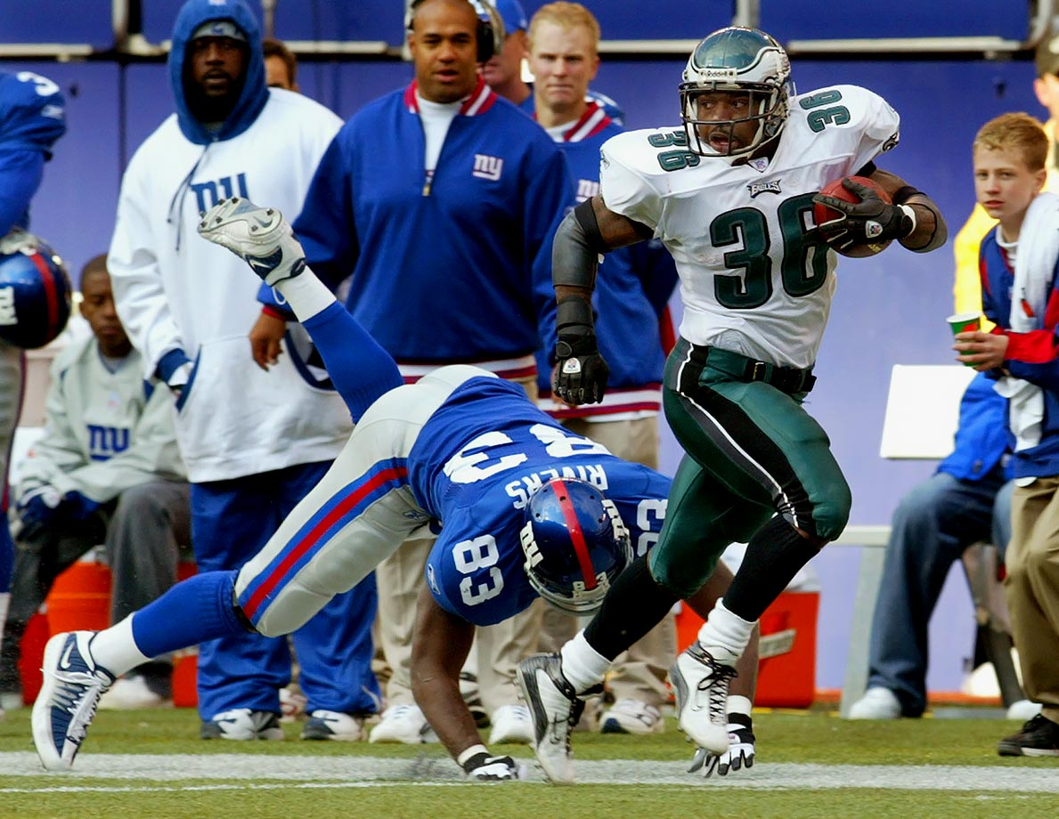 The Eagles won nine in a row and 10 of their last 11 to win the NFL East for a third consecutive year. Brian Westbrook got the streak going with a punt return touchdown in the last two minutes of a 14-10 win over the Giants. Nine weeks later the 49ers ended the run by intercepting Donovan McNabb in overtime and taking a 31-28 victory.