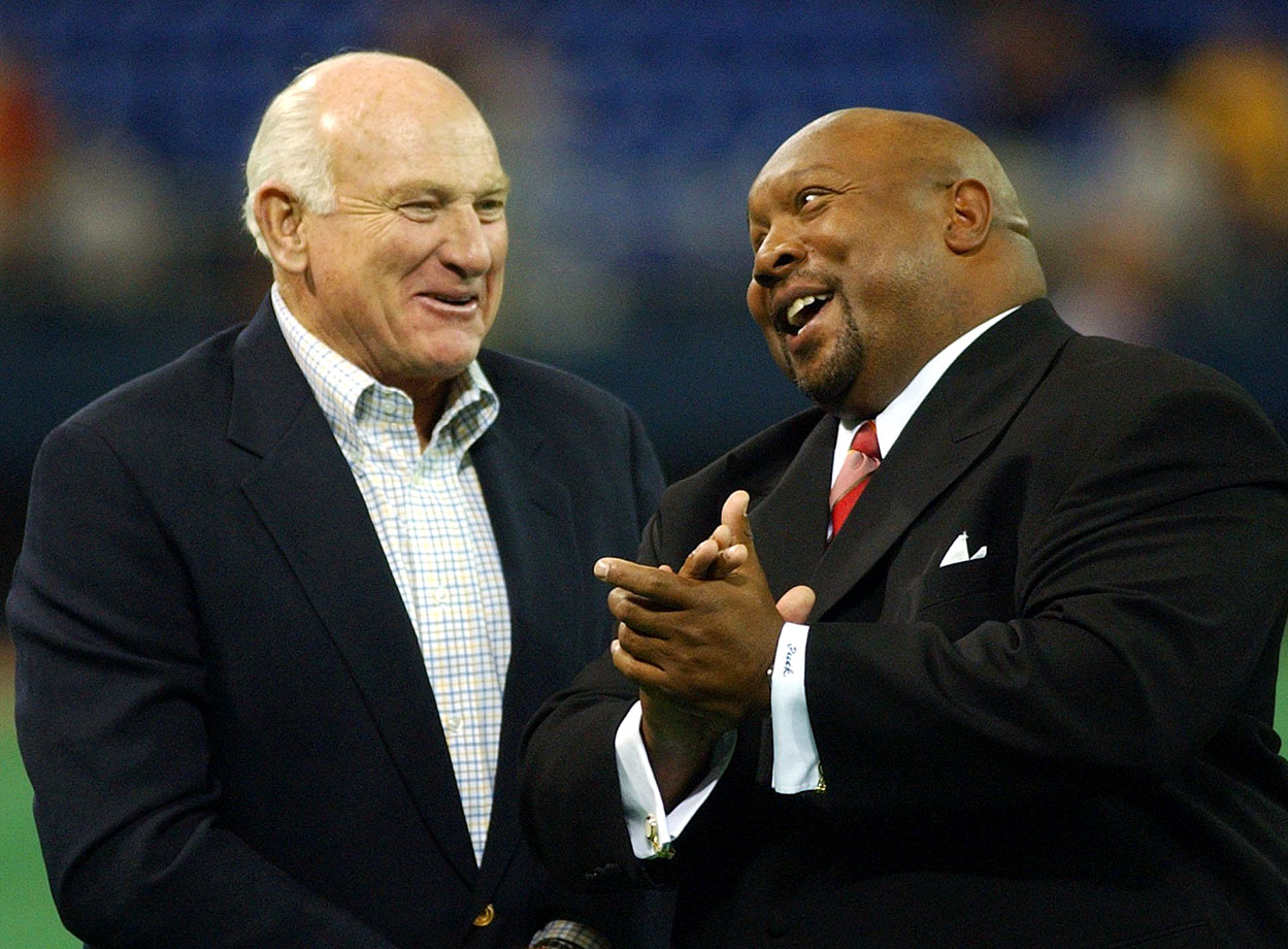Hall of Famers Harmon Killebrew and Kirby Puckett share a laugh during ceremonies honoring Twins announcer Bob Casey in Minneapolis, Minn.