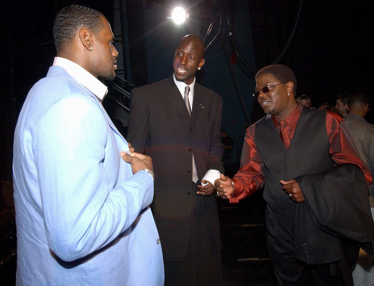 LeBron James, Kevin Garnett and Bernie Mac chat backstage during the 2004 ESPY Awards in Hollywood.