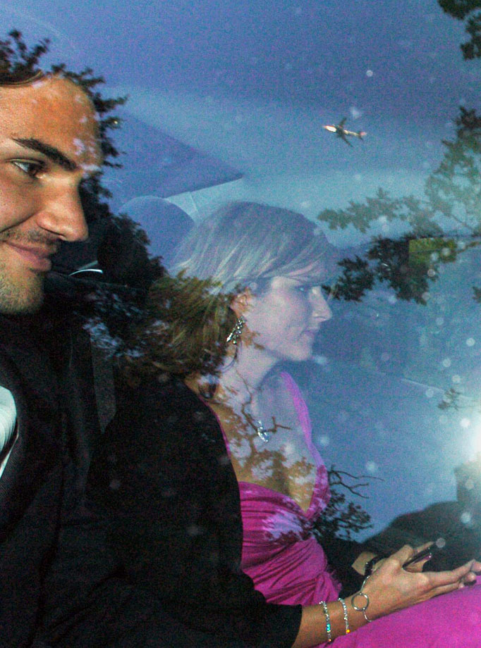 Roger Federer and Mirka Vavrinec arrive for the 6th Annual White Tie & Tiara Ball to Benefit the Elton John Aids Foundation in London on June 24, 2004.