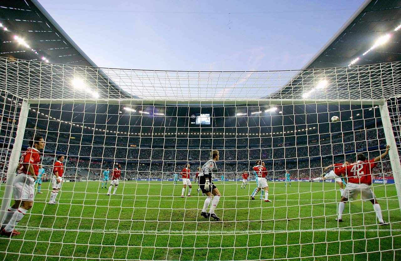 The club moves from the Olympiastadion to the newly-built Allianz Arena, which they share with local rivals 1860 Munich.