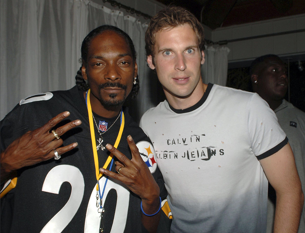 "Snoop Dogg and Chelsea goalkeeper Petr Cech attend ""The Hit The Ground Running Party"" hosted by Chelsea Football Club and Adidas  on July 31, 2006 at The Skybar in West Hollywood, Calif."