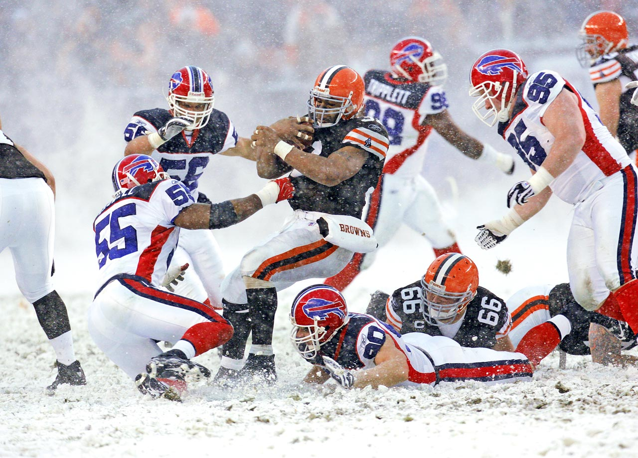 On a perfect day to build a snowman, the Browns put one up on the scoreboard. Jamal Lewis plowed for 163 yards and Phil Dawson managed to kick two field goals through harsh, wintry winds as the Browns won 8-0 over the Bills.  With wind gusts up to 40 mph and visibility limited, throwing the ball was nearly impossible and both teams had to rely on their running games to move the ball. Amazingly, there were no turnovers.