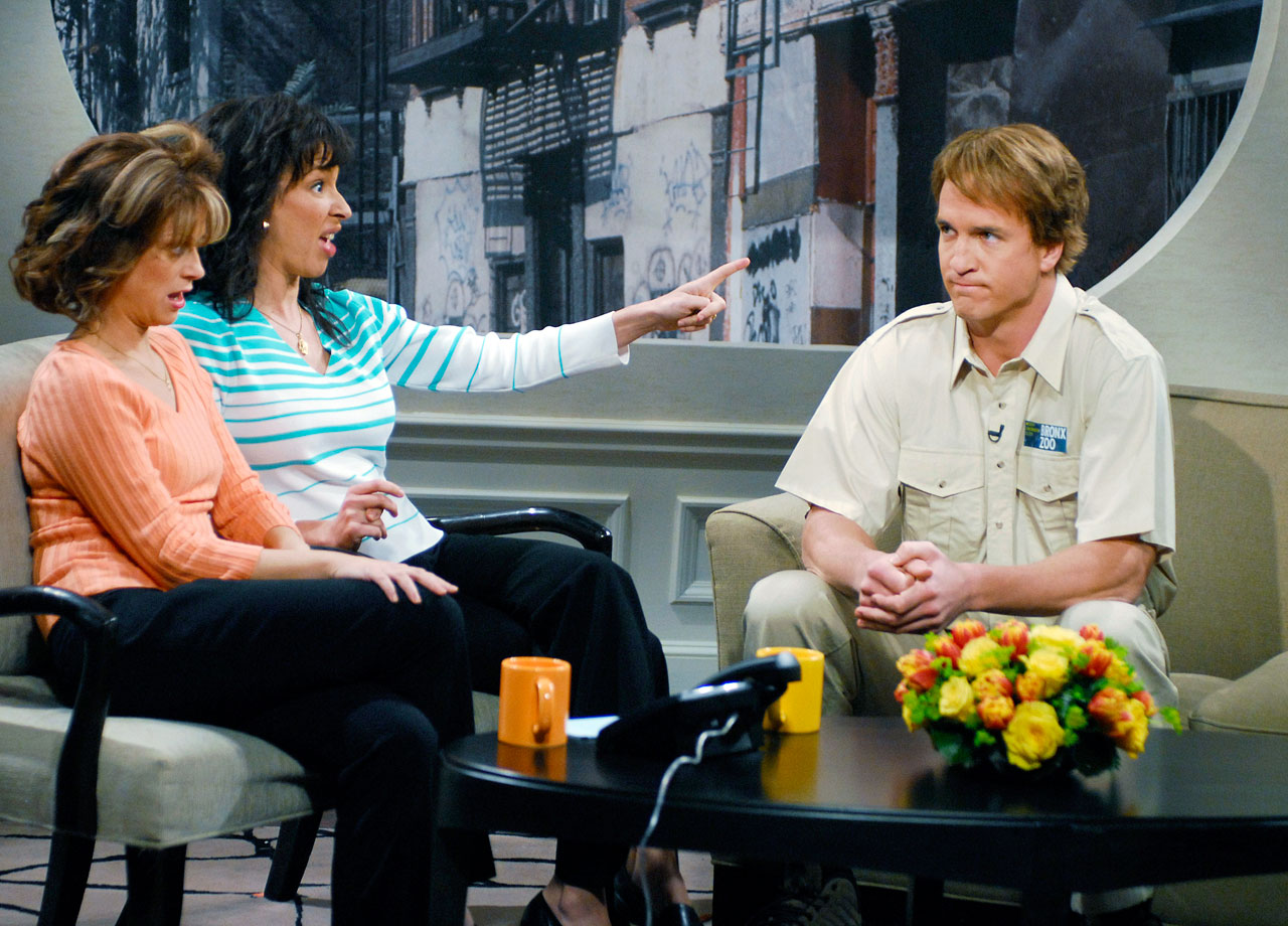 "While hosting Saturday Night Live, Peyton Manning plays an employee from the Bronx Zoo appearing on the talk show ""Bronx Beat,"" alongside Amy Poehler and Maya Rudolph."