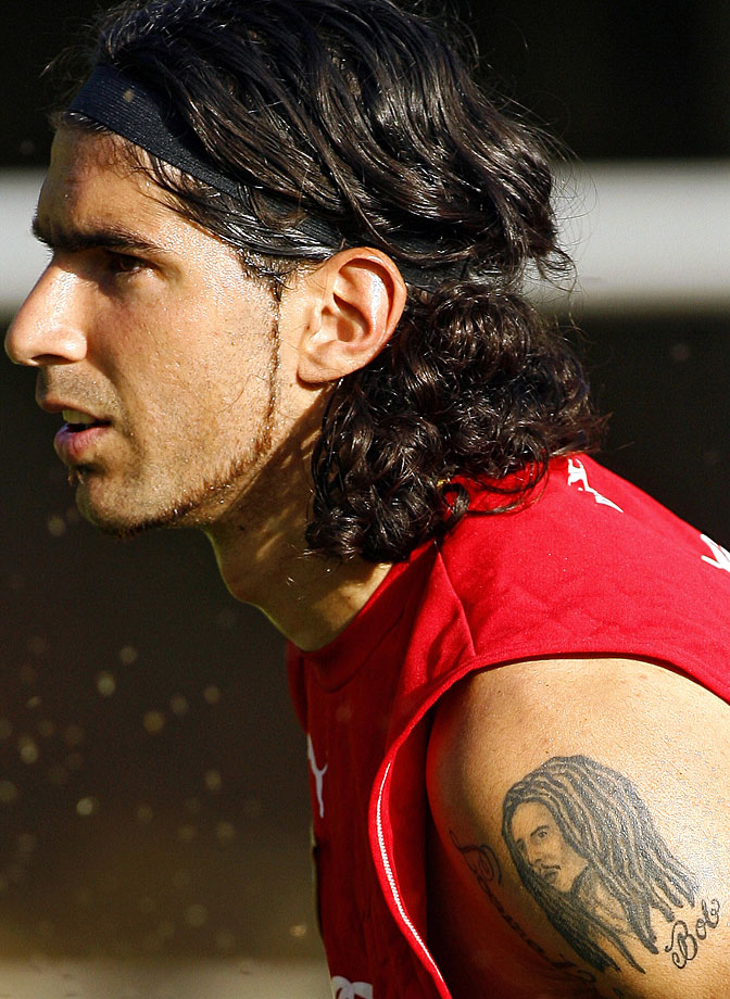 Uruguayan footballer Sebastian Abreu, with a tattoo of Bob Marley on his arm, takes part in a training session in Caracas, Venezuela, on July 12, 2007.