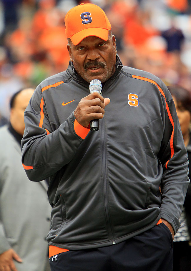 Jim Brown returned to his alma mater, Syracuse, to speak at the dedication of Syracuse's football field to Heisman Trophy winner Ernie Davis in 2009.